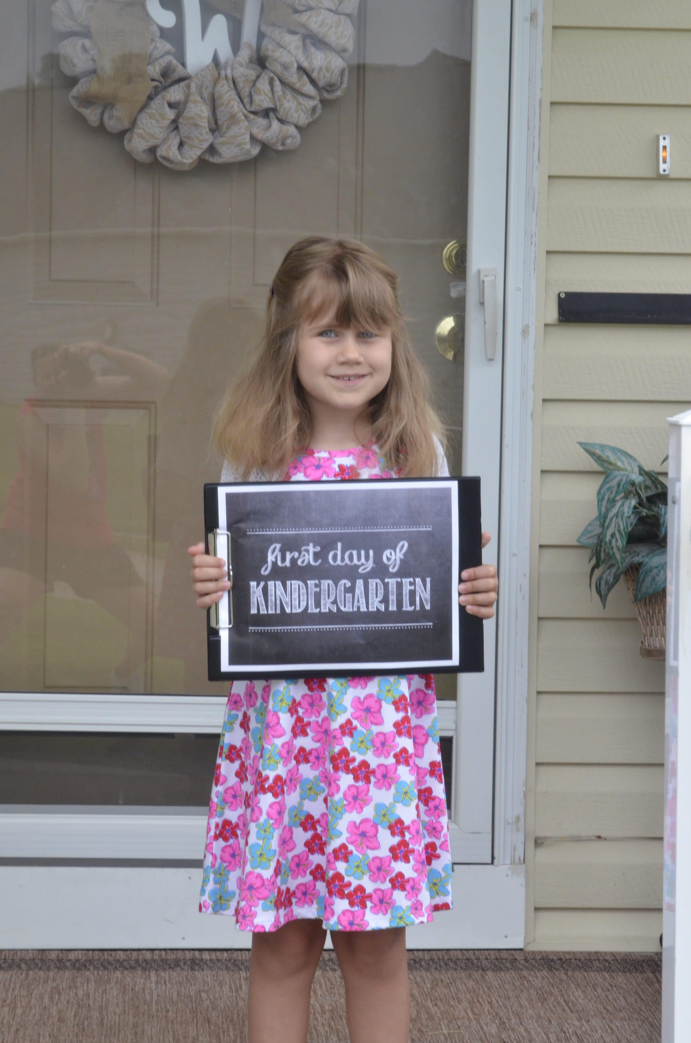 Use these creative ways to capture your childs first day of school!